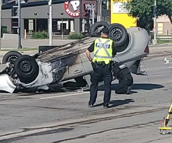 1 taken to hospital from police chase, crash in Winnipeg