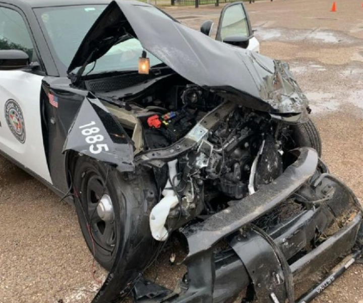 Driver arrested after high speed chase ends in crash(Laredo Police Department)